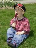 pojkepopsicle Royaltyfria Bilder