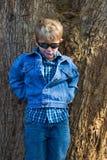 pojkesolglasögon Arkivbilder
