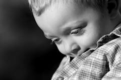 pojkeståendebarn Arkivbilder