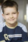 pojkeståendebarn Fotografering för Bildbyråer