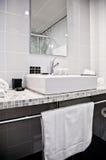 pokój hotelowy toilette zdjęcie royalty free
