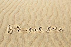 Pokój Pisać w Pluskoczącym piasku przy Wielkim piasek diun obywatelem P Zdjęcie Royalty Free