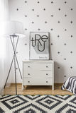 Pokój z modnym deseniowym spojrzeniem Zdjęcia Royalty Free