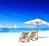 Pokładu krzesło na Trapical plaży Fotografia Royalty Free