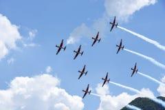 Pokaz lotniczy Szwajcarska akrobatyczna komarnicy drużyna przy Lugano Fotografia Royalty Free