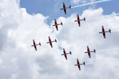 Pokaz lotniczy Szwajcarska akrobatyczna komarnicy drużyna przy Lugano Obrazy Royalty Free