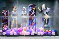 Pokaz mody w szafie Obrazy Royalty Free