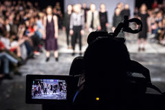 Pokaz Mody, wybiegu wydarzenia telewizi transmisja zdjęcie stock