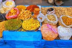 Pokaz przekąski przy Kinari bazarem w Agra, Uttar Pradesh, India Obraz Stock