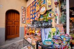 pokazu ceramiczny kolorowy sklep Zdjęcie Stock