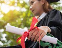 Pokazuje certificated po kończący studia fotografia stock