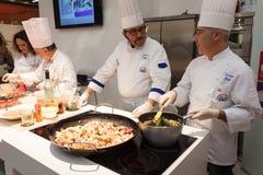 Pokazuje kucharstwo przy HOMI, domowy międzynarodowy przedstawienie w Mediolan, Włochy Zdjęcia Royalty Free