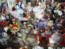 Pokazuje prezentów sklepy, dziejową centralę i wielkiego Wydziałowego sklep St Petersburg, Sadza jarda Zdjęcie Stock