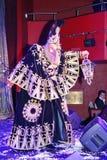 Pokazuje Weneckich karnawałowych magika iluzjonisty Raman polewki barszcze Zdjęcie Royalty Free
