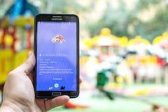 Pokemon是在电话的gameplay screenshot 免版税图库摄影
