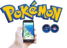 Pokemon изолированными app и идет логотипом стоковые изображения