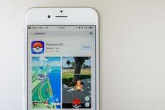 Pokemon去在苹果计算机iPhone 6S的比赛 图库摄影