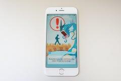 Pokemon去在苹果计算机iPhone 6S的比赛 库存照片