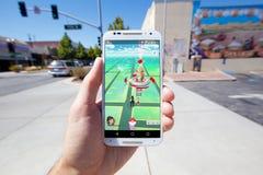 Pokemon GÅR den modiga översikten i en kommersiell inställning Arkivbild