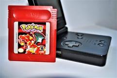 Pokemon sideview rojo 3 de GameBoy y del juego imagen de archivo libre de regalías