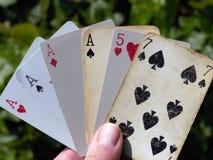 Pokeröverdängare som spelar kort Royaltyfri Fotografi