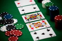 Poker gå i flisor och kort Arkivbilder