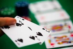 Poker gå i flisor och kort Arkivbild
