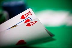 Poker gå i flisor och kort Royaltyfri Fotografi