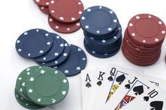 Poker räcker kunglig personspolning Arkivfoto