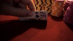 Pokerchips und As/König stock video footage