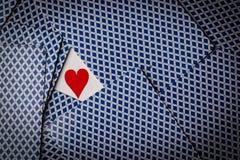 Pokerkarten mit einer Herzvertretung lizenzfreie stockfotografie