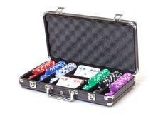 Pokeruppsättning i ett metalliskt fall Royaltyfria Bilder