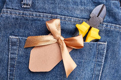 Poket джинсов с плоскогубцами Стоковое фото RF