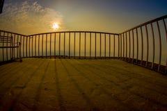 POKHARA, NEPAL, WRZESIEŃ 04, 2017: Zakończenie up kruszcowy płotowy tructure przy szczytem Sarangkot punktu obserwacyjnego punkt  Fotografia Stock