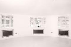 pokojów powiewni jaskrawy lekcy okno trzy Obraz Stock