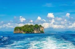 Pokojowa egzotyczna wyspa z luksusowymi hotelami Tajlandia Zdjęcie Stock
