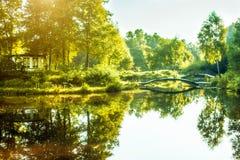 Pokojowa jeziorna czarownicy zapamiętania domu końcówka lato obrazy stock