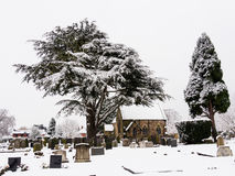Pokojowy cmentarz w zima śniegu Fotografia Royalty Free