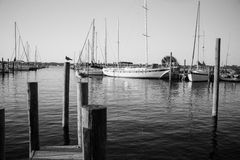 Pokojowy dzień przy dokami fotografia stock