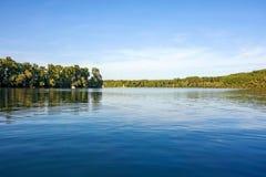Pokojowy idylliczny jezioro obraz royalty free