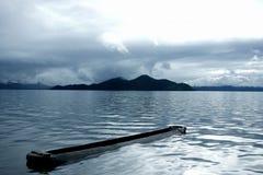 Pokojowy, piękny jezioro, niebo, Zdjęcia Royalty Free