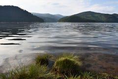 Pokojowy Spokojny Halny jezioro obraz royalty free