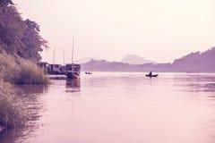 Pokojowy wieczór Przy Mekong rzeką obrazy stock