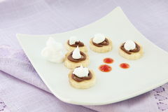 pokrajać bananowa czekoladowa śmietanka batożył Obrazy Stock