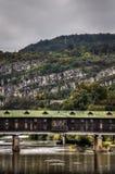 Pokrit mest eller täckt bro i Lovech, Bulgarien Historiskt turnera fotografering för bildbyråer