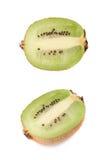 Pokrojona połówka kiwifruit odizolowywający Obraz Stock