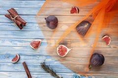 Pokrojone figi i cynamon obrazy stock