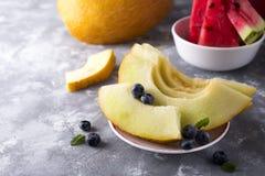 Pokrojony żółty melon zdjęcie royalty free