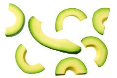pokrojony avocado z li??mi odizolowywaj?cymi na bia?ym tle Odg?rny widok zdjęcia royalty free