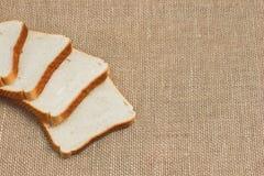 Pokrojony chleb na grabić Fotografia Royalty Free